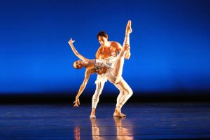 Lara O'Brien and Marcelo Martinez in Les Saltimbanques
