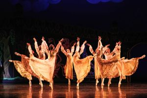 Corps de ballet in Firebird