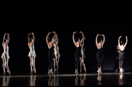 Grosse Fuge choreographed by Robert Weiss