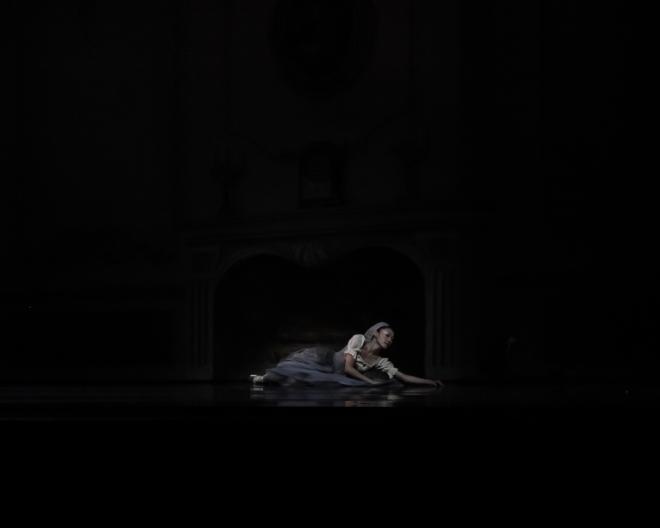 Maragaret Severin Hansen as Cinderella, choreography by Robert Weiss